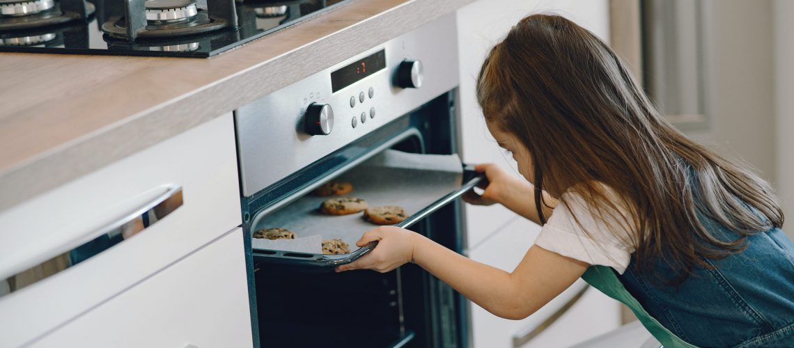 photo-of-girl-baking-cookies-4149015